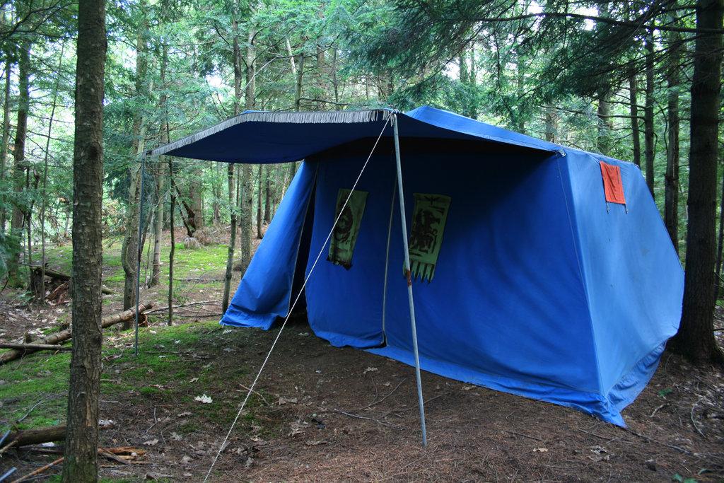 larp blue tent
