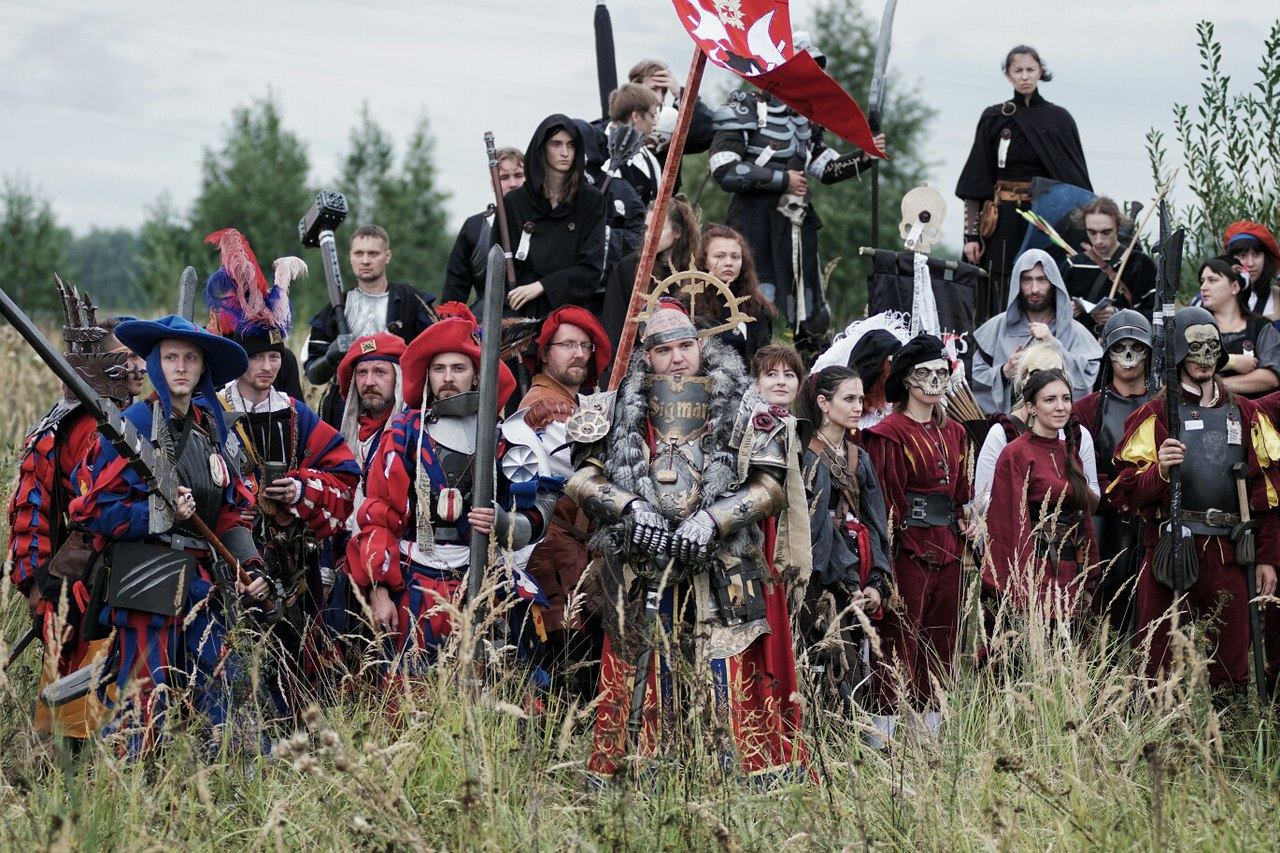 Feast your eyes on 30 minutes of Warhammer Larp Footage!