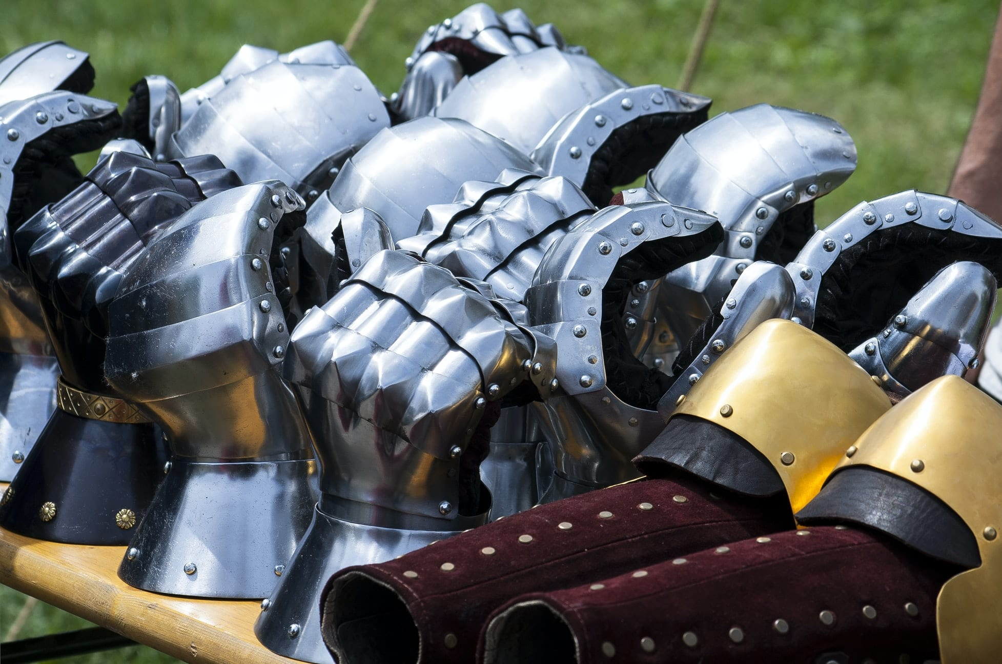 "6 Armor Sets That Will Make You Say ""Nice"""